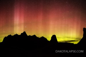 Late April Aurora in Badlands National Park
