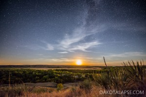 A crescent Moon sets under the Milky Way in SD.